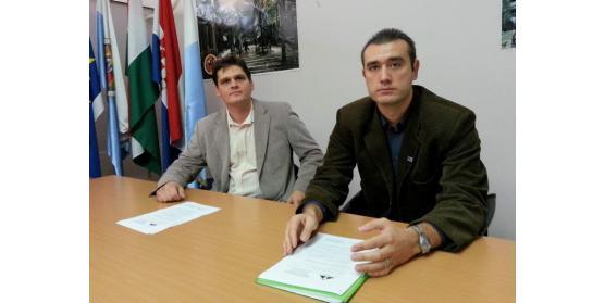 s leva: Szilárd Almási predsednik udruženja Upravo sada; i Aron Čonka predsednik Demokratske zajednice vojvođanskih Mađara