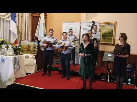 Suzana Kujundžić pozdravlja goste na prelu