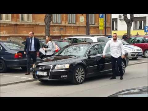 Kako Saša Janković prelazi ulicu