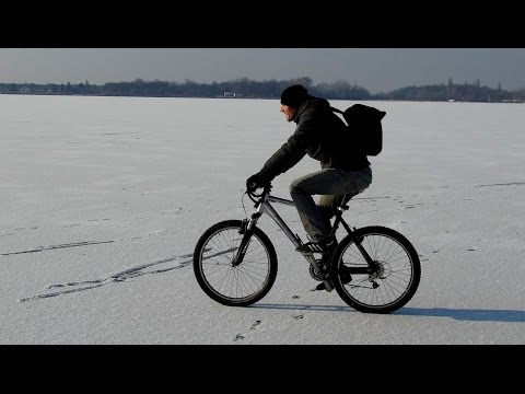 Michell Rohmann u obilasku zaleđene obale jezera Palić