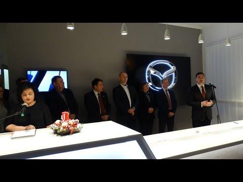 Govornici na otvaranju salona Mazda u Subotici