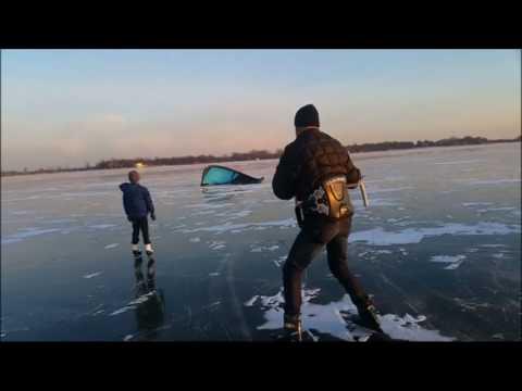 Klizači i surferi na Palićkom jezeru na minus deset stepeni