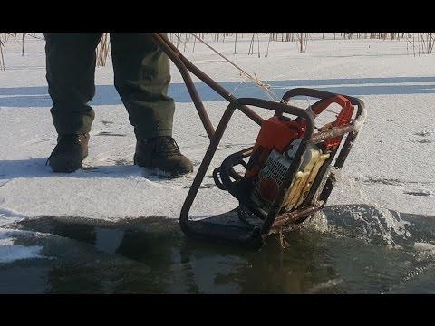 Oto Sekereš Seča leda na Ludoškom jezeru